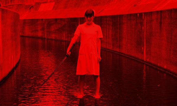 赤でリカラーした写真